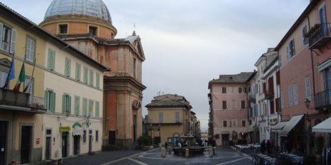 Piazza della Liberta Castel Gandolfo