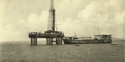 impianto perforazione in mare